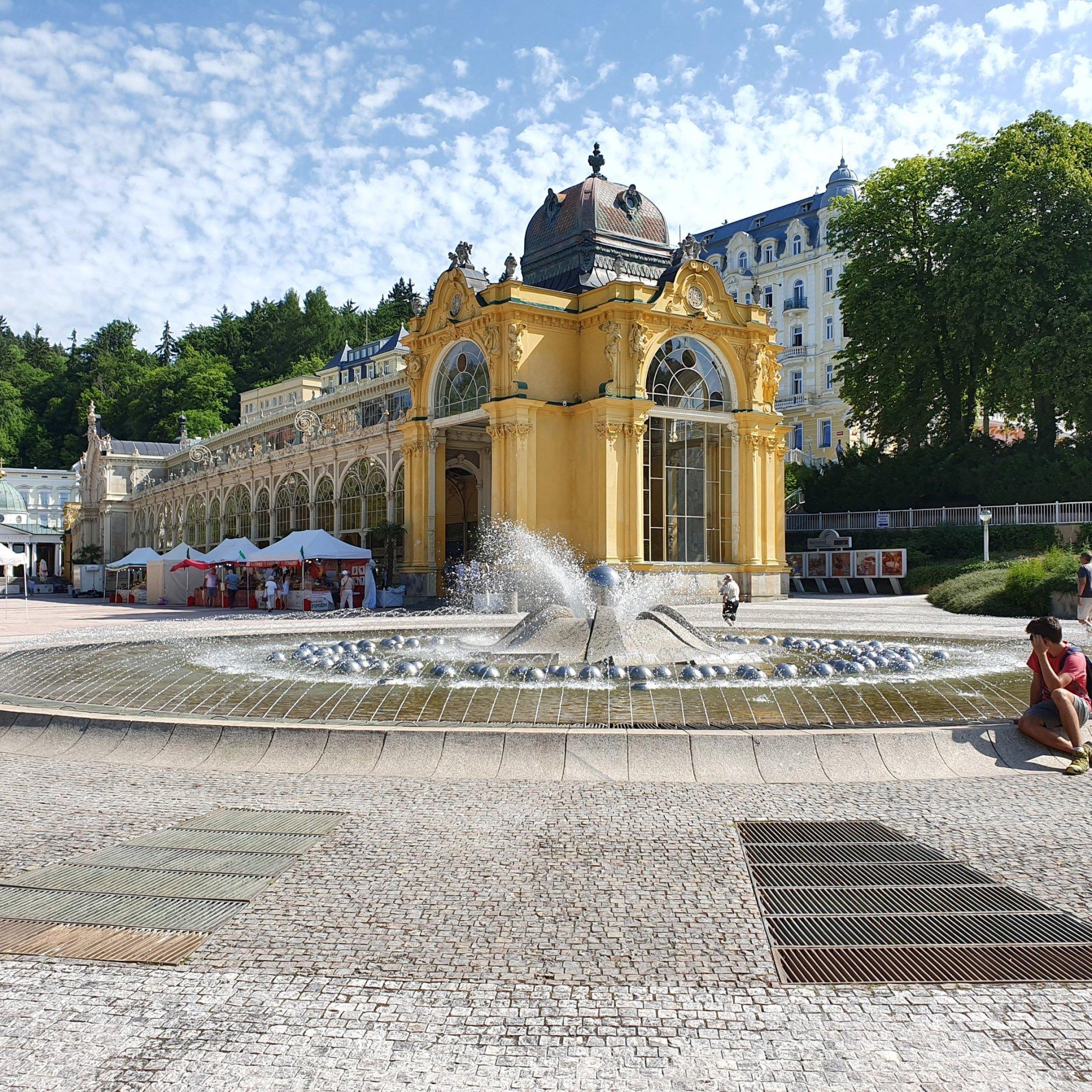 Singing Fountain - Zpívající fontána (and a cute boy)